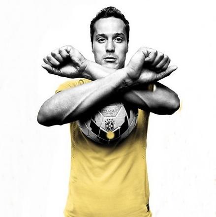 Julio-Cesar-Nike-Expatfinder-Blog
